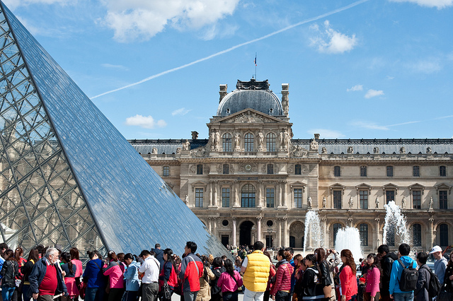 Queue at the Louvre